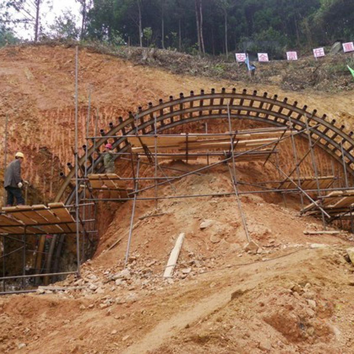 隧道管棚施工